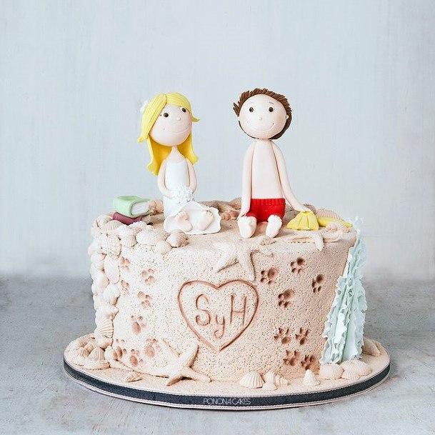 Adorable Couple Figurine Beach Wedding Cake Women