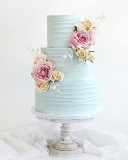 Alabastar White Buttercream Wedding Cake