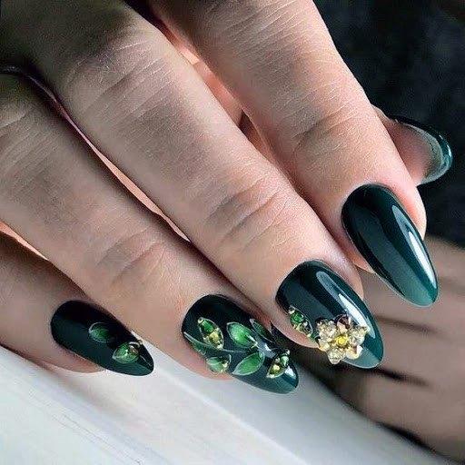 Almond Nails Dark Green And Gold 3d Women