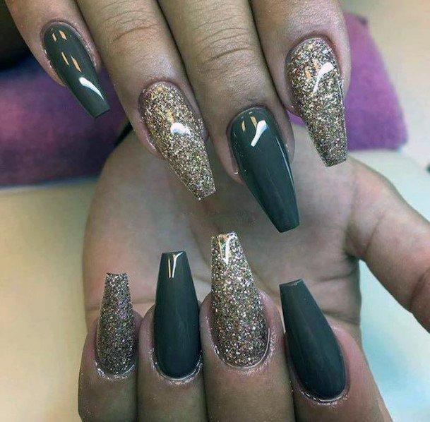 Alternating Nail Shades Ideas For Women