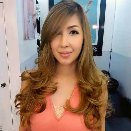 Amazing Brown Waves Hairstyle For Women