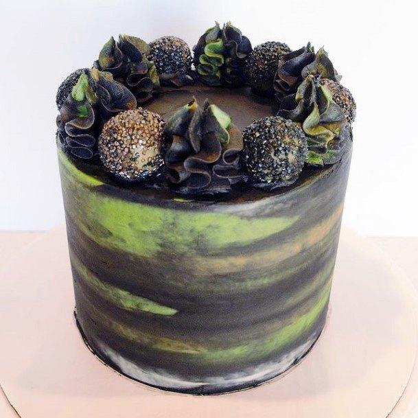 Amazing Camo Wedding Cakes