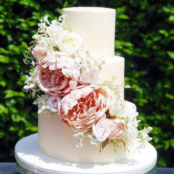 Aromatic Flowers Red Velvet Wedding Cake