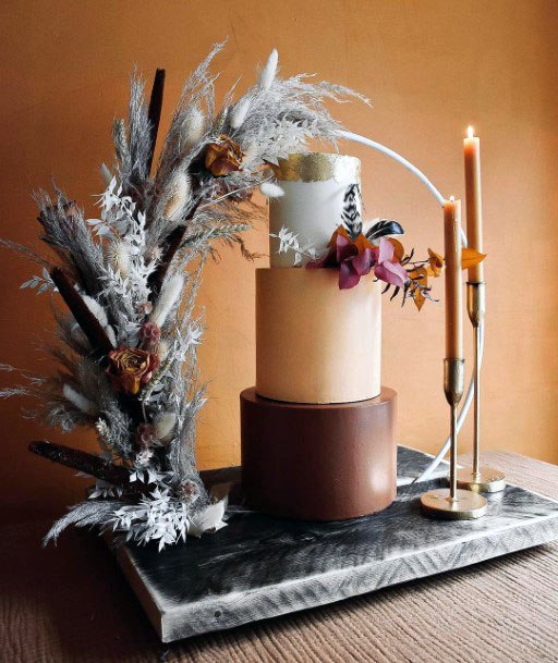 Artistic November Wedding Flowers Decor