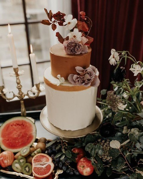 Awesome 2 Tier Wedding Cake