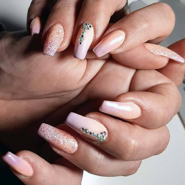 Awesome Jewelled Pattern On Light Pink Nails
