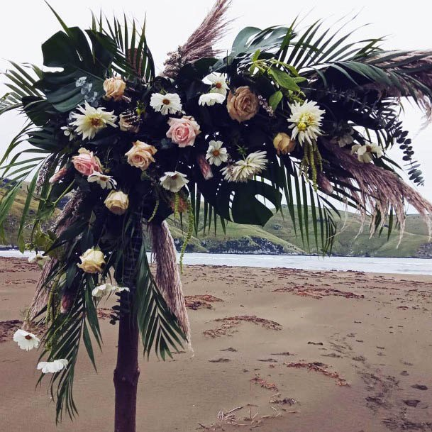 Beachy August Wedding Flowers Decor