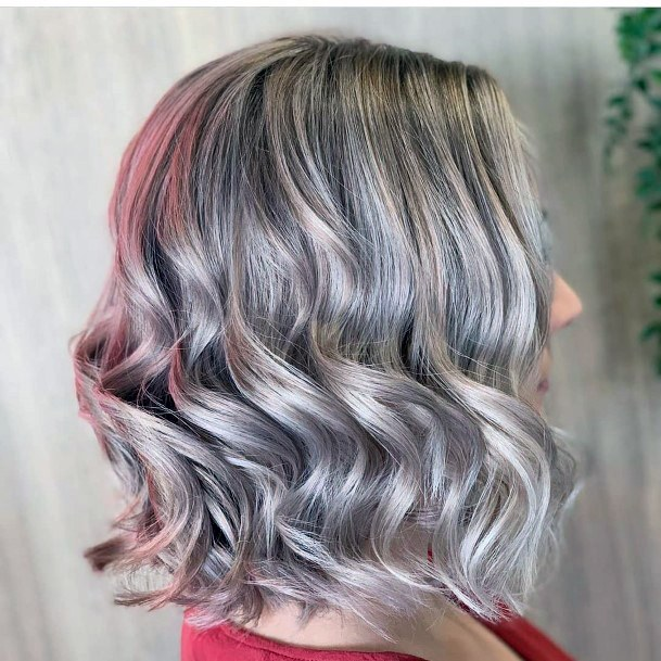 Beautiful Dual Color Glossy Grey And Pink Womens Wavy Hairstyle