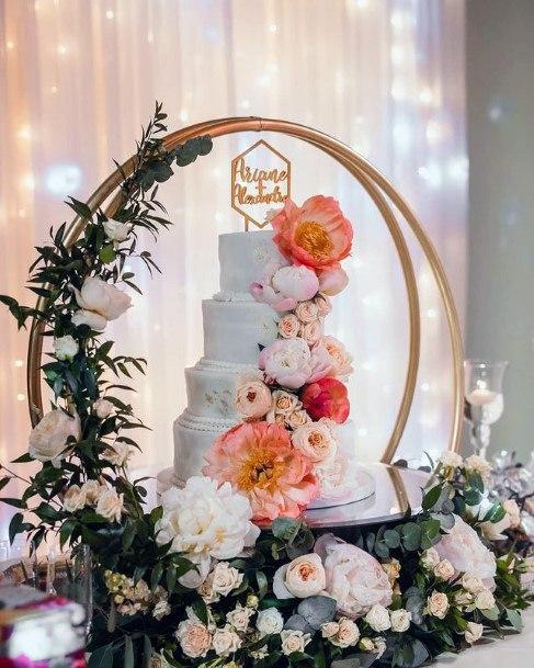 Beautiful Flower Garland Decor Round Wedding Cake Stand Women