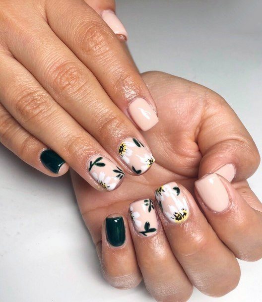 Black And White Tropical Nails Women
