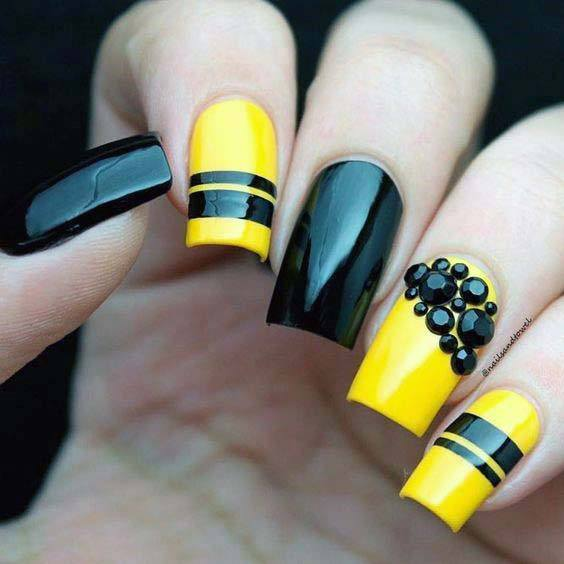 Black Stones And Yellow Nails Bright For Women