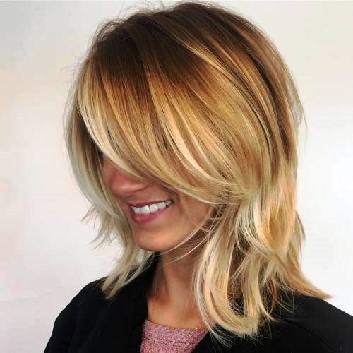 Blonde Easy Shoulder Length Side Part And Chestnut Roots Airy Hairstyles For Women