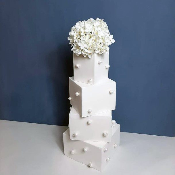 Box Type White Square Wedding Cake