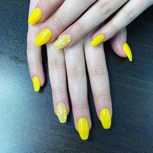 Bumblebee Yellow Bright Nails Art For Women