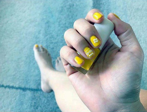 Canary Bright Yellow Nails For Women
