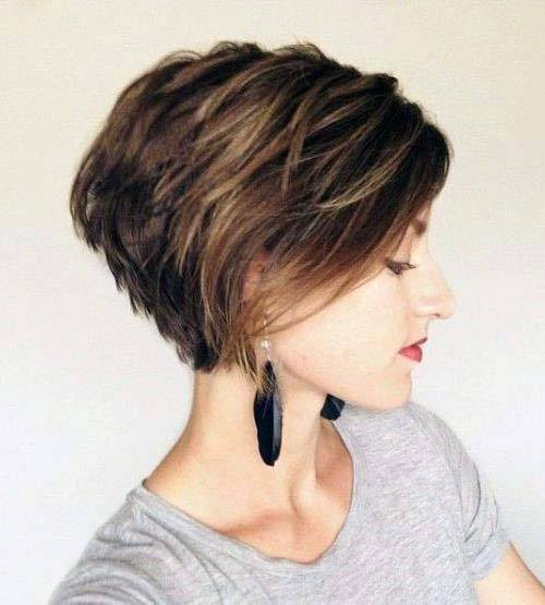 Casual Textured Bob Hairstyle Women