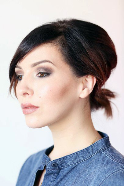 Casual Tied Hairstyle For Short Hair Women