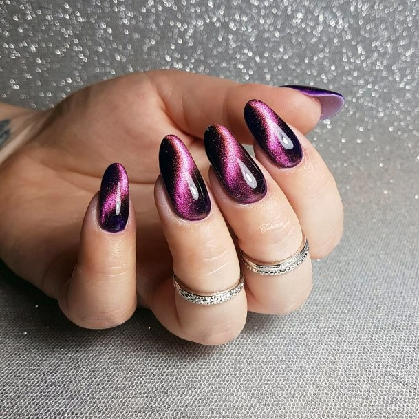 Cat Eye Nail With Drop Effect Design