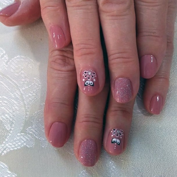 Charming Cute Bee Design On Nails For Women