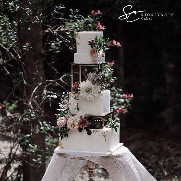 Charming Flowers On Beautiful Wedding Cakes