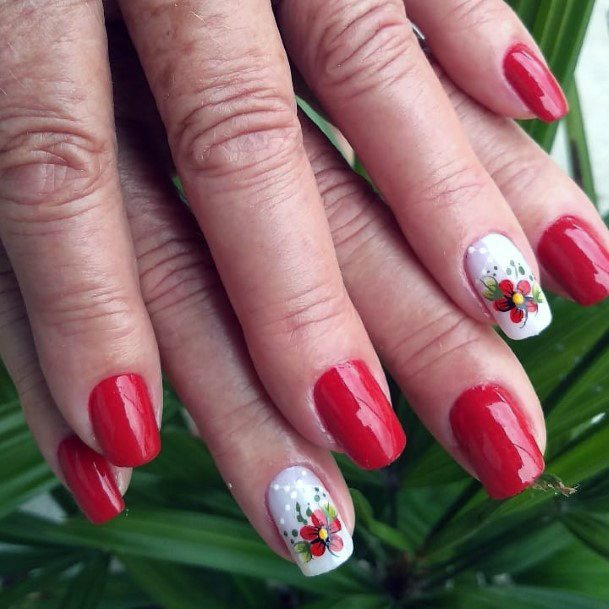Charming Tomato Red Flower Motif On Nails Women