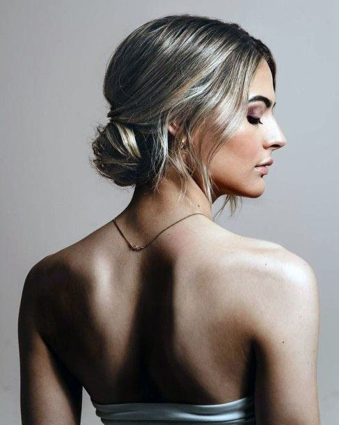 Chic Chignon Bun Hairstyle Women'