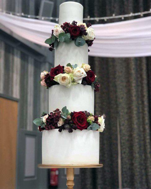 Christmas Wedding Flowers On Cake