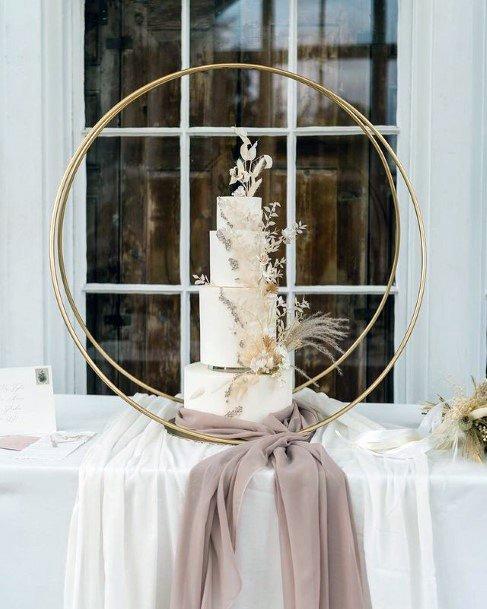 Circular Wedding Cake Stand Women
