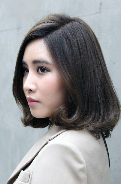 Classic Deep Side Part Hairstyle Women