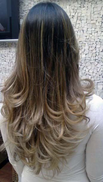 Classic Multi Layered Medium Length Hairstyle