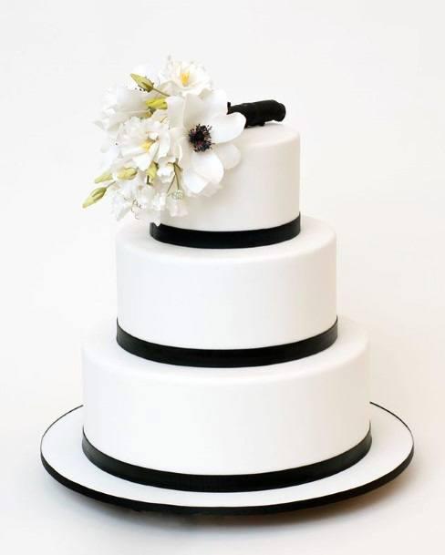 Classic White With Black Border 3 Tier Wedding Cake Women