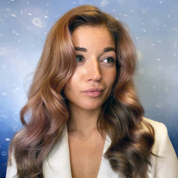 Classy Bubbly Glossy Hair Style For Brunette Perfect Hair Women