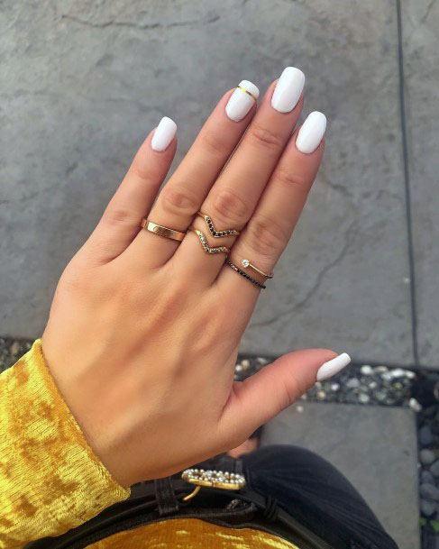 Classy Golden Effect On White Gel Nails Women