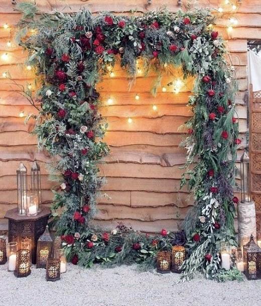 Cozy Red Green Flowers Wedding Decor