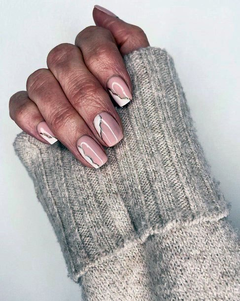 Cracked Wall White Gel Nails For Women