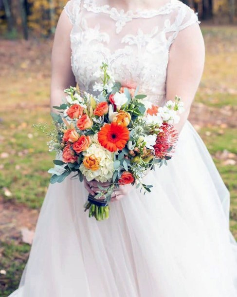 Cream And Bright Orange Bouquet Fall Wedding Ideas