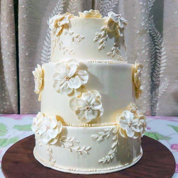 Creamy 3 Tiered Womens Wedding Cake