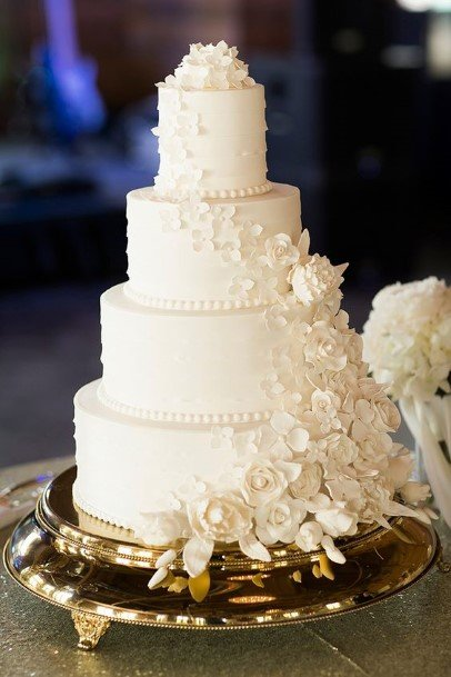 Creamy White Rosy Wedding Cake