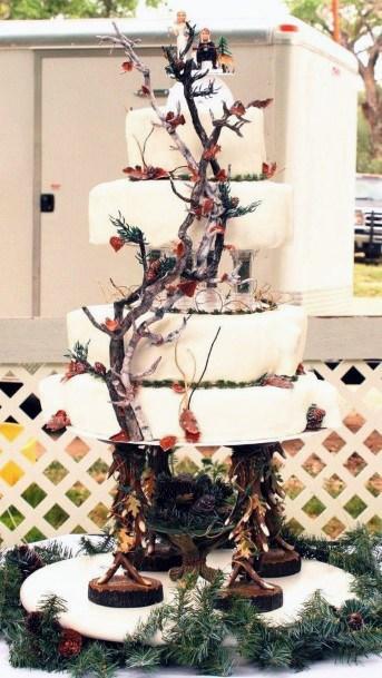 Creepers On Camo Wedding Cake
