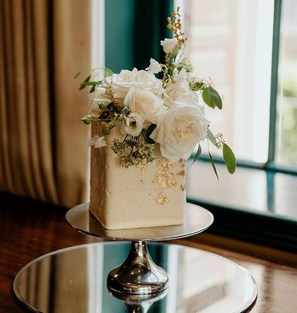 Cubical Beautiful Wedding Cake White Roses