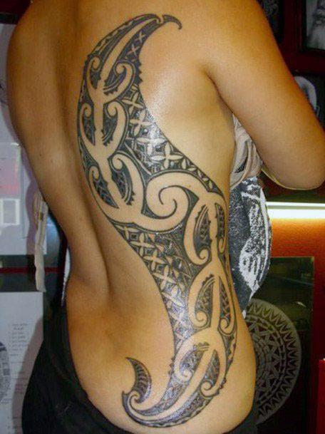 Curved Tribal Art Womens Tattoo