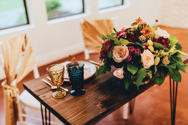 Cute Sweetheart Table Single Bouquet Gold Accent Design Fall Wedding Ideas