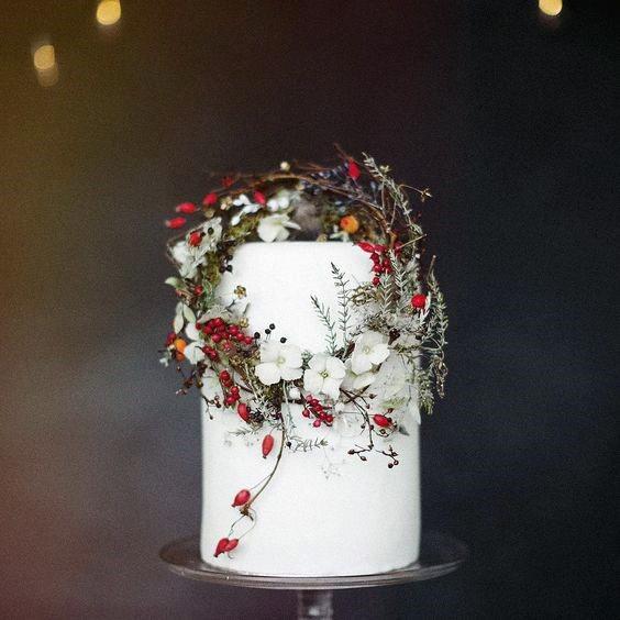 Dainty Christmas Wedding Flowers On White Cake