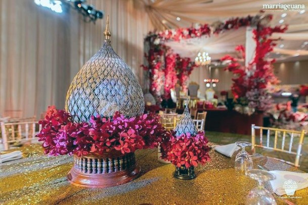 Dome With Indian Wedding Flowers Table Decor