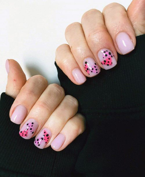 Dotted Pink Shaded Short Nails Women