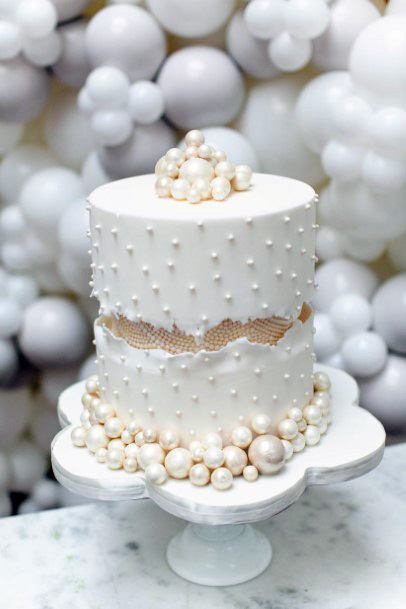 Elegant Wedding Cakes Women Pearls