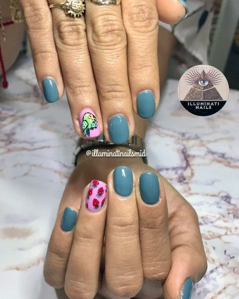 Exquisite Grey Pink Strawberry Nails For Women