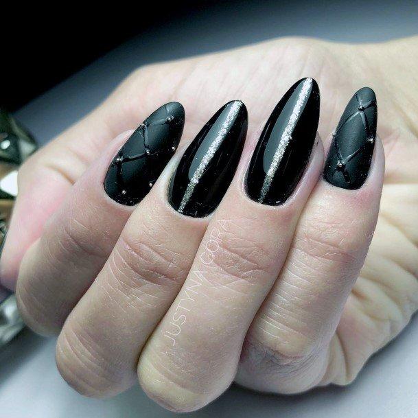 Exqusite Black Nail Design Ideas For Women