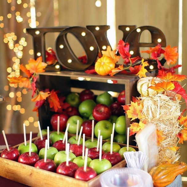 Fall Wedding Ideas Red And Green Apple With Caramel Snack Inspiration