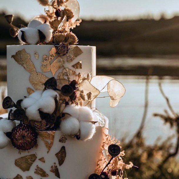 Fancy Elegant Wedding Cakes Women Gold Detail